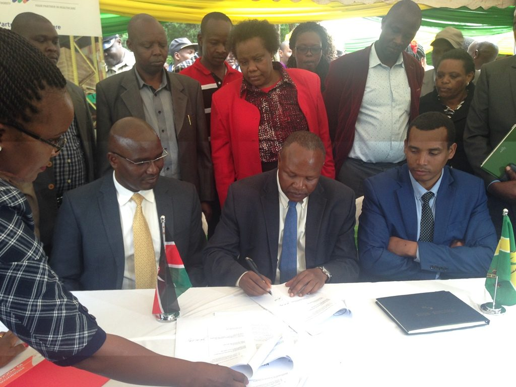 Kericho County Governor Prof. Paul Chepkwony signing the MoU with KEMSA that will ensure facilitation of constant supply of essential medical supplies to the County.